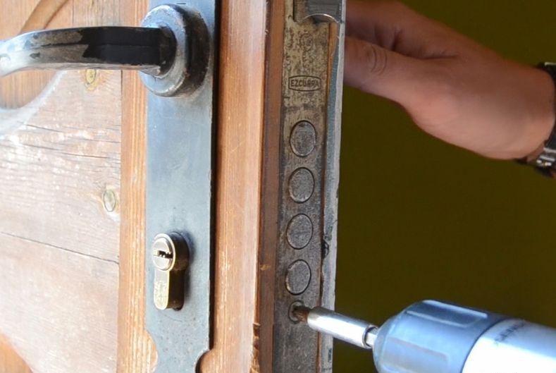 cerrajeros valencia sustituye su cerradura en el acto